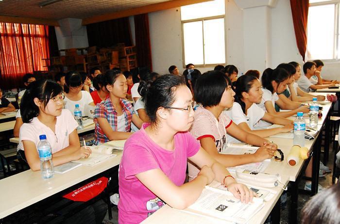 郑州市丁老师文化培训中心课堂环境